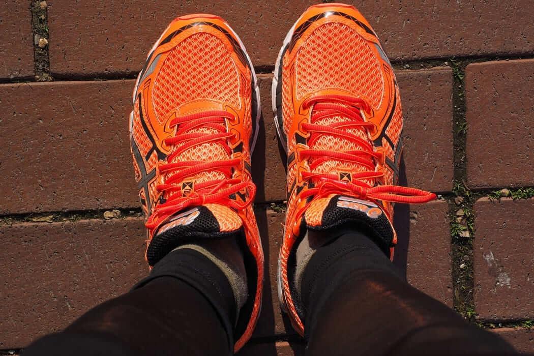 usare piedi nella corsa