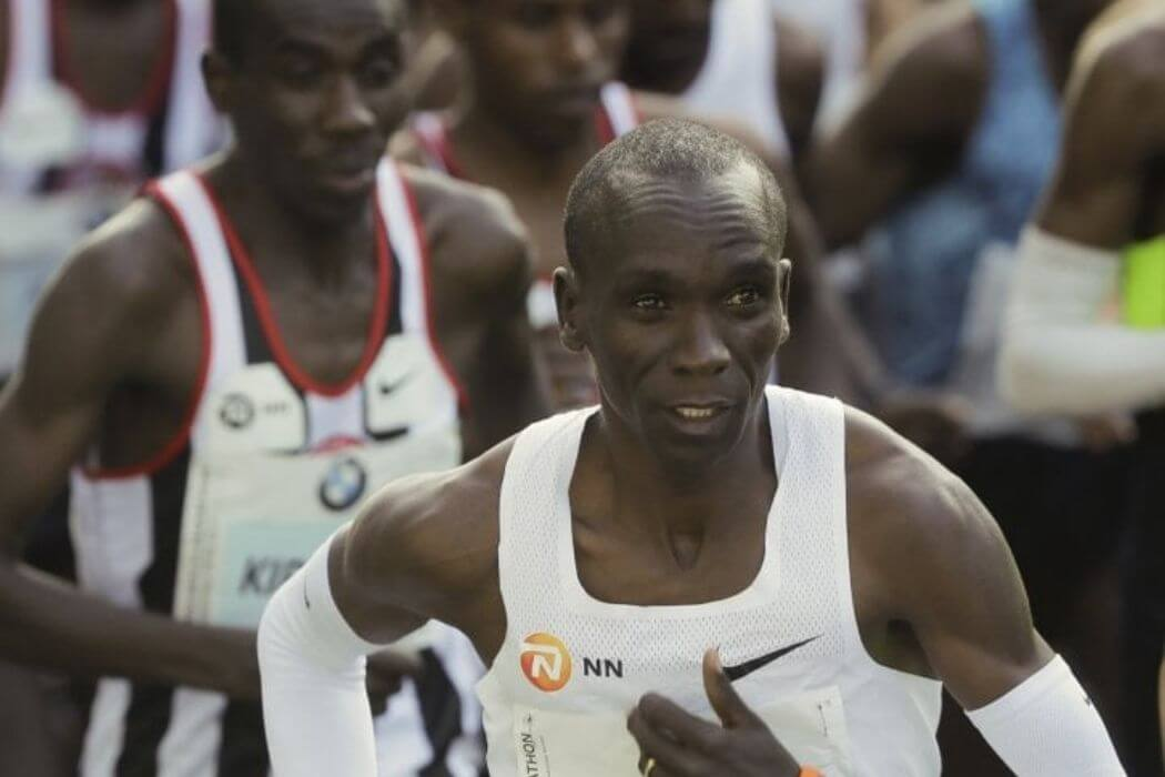 kipchoge maratona sotto le due ore
