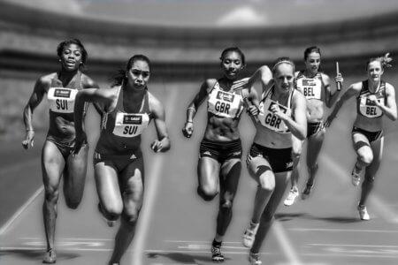 utilizzo delle braccia nella corsa
